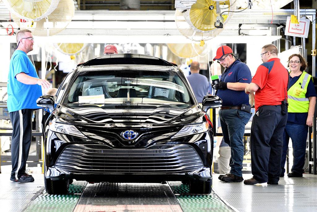 又是談判手段?川普將進口汽車提升至國安威脅等級,歐盟、日本紛
