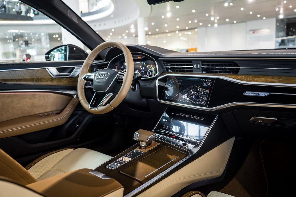 第五代AUDI A6出沒國外展間!新金屬棕是最大焦點