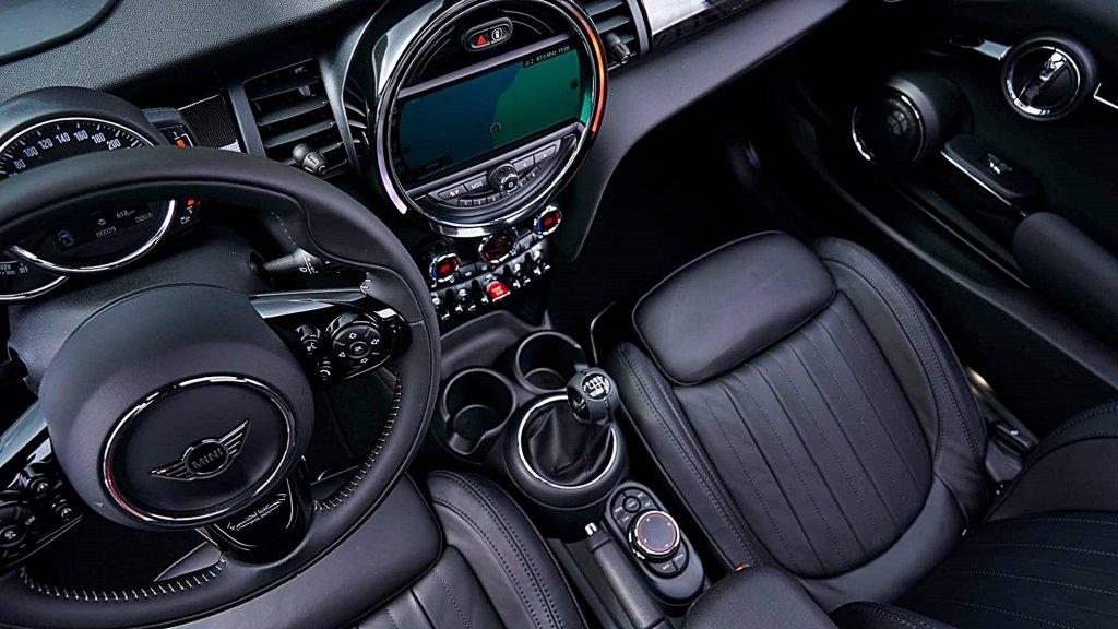 為多一些買氣,MINI高層決定2021年式新車至少10個車型將恢復手排