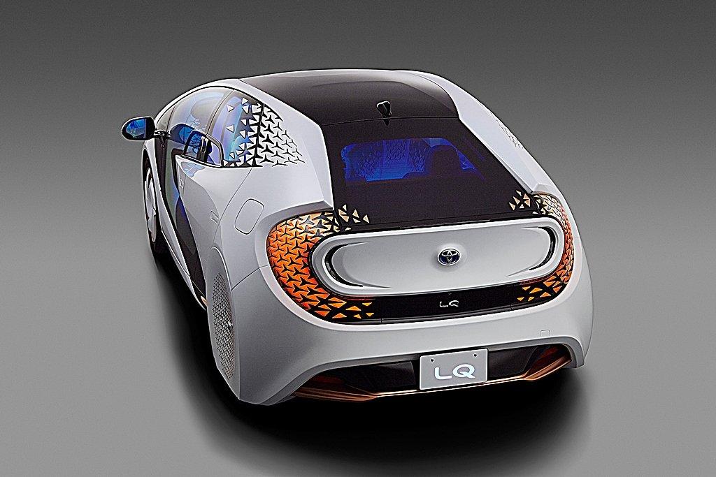 TOYOTA推出Level 4自動駕駛概念車LQ,結合AI與VR科技