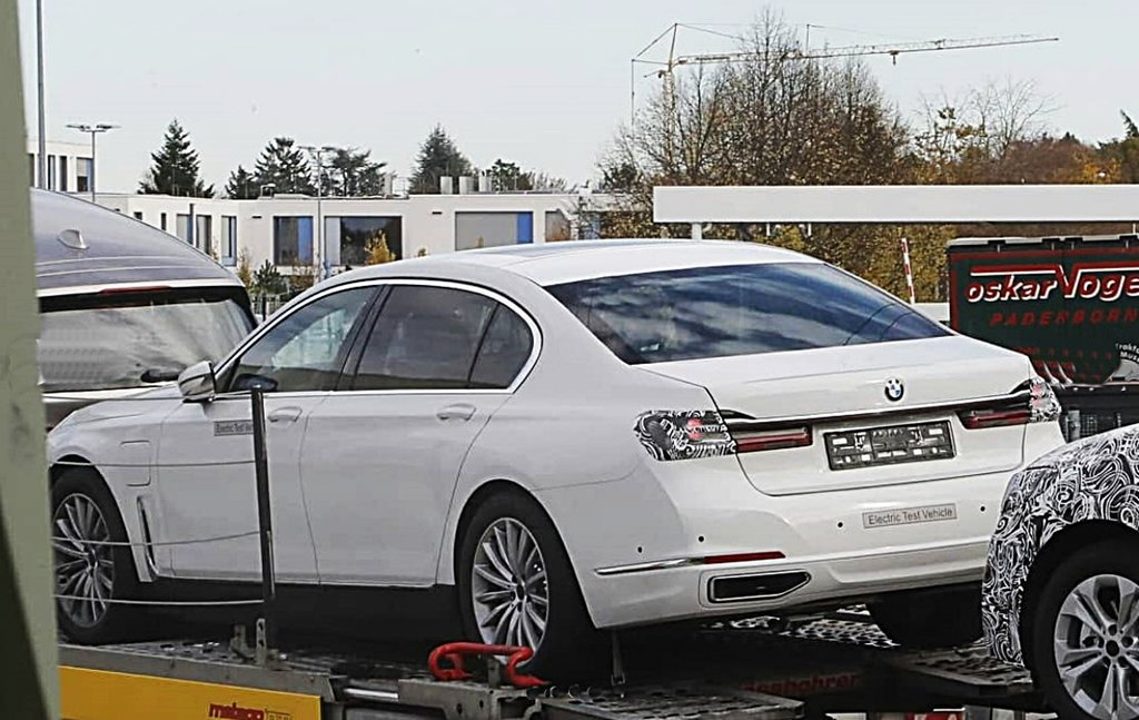 BMW全新世代電動旗艦i7提前走光,IG網站流出首波間諜照