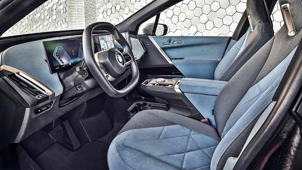 BMW iX 全球首發成為品牌電動車技術旗艦,馬力500匹、續航里程30