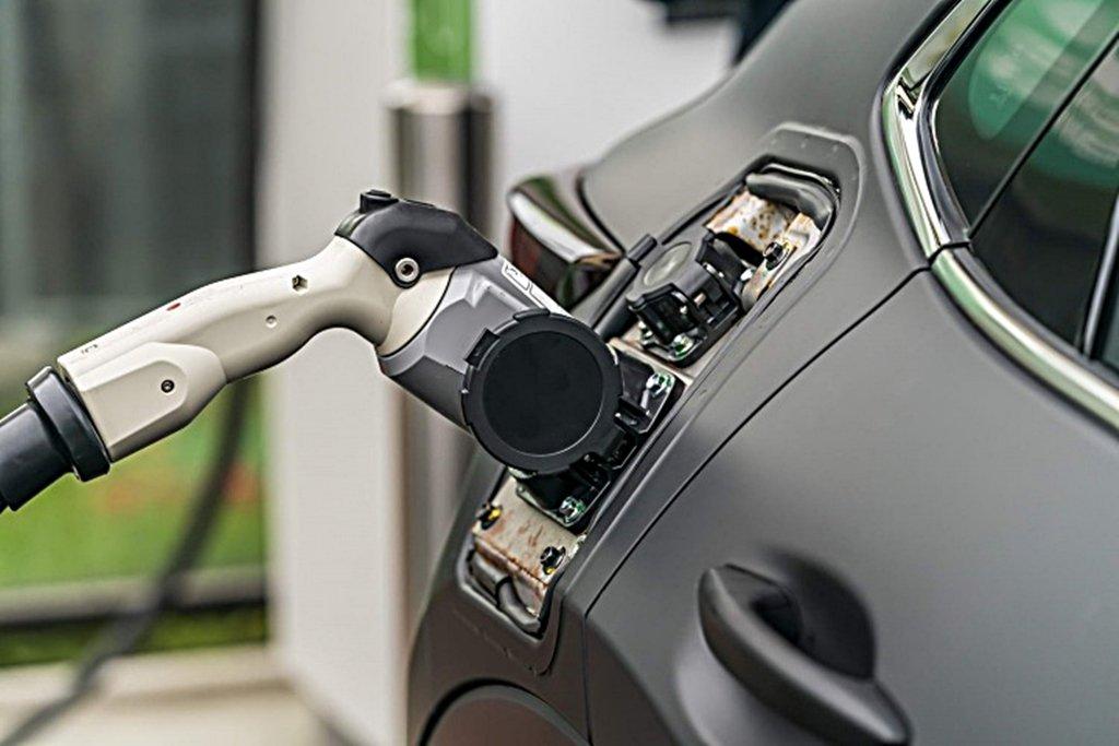 擋不住大勢所趨,MAZDA將在東京車展中推出首部電動車