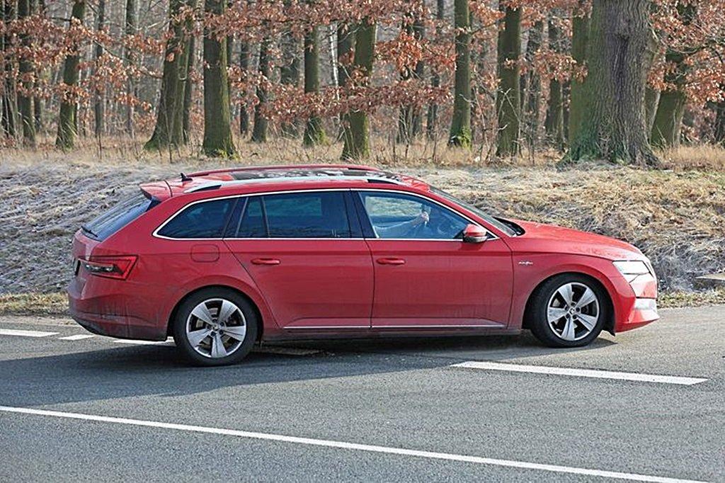 SKODA Superb中期改款將推出PHEV插電油電車型,車名將稱為Superb