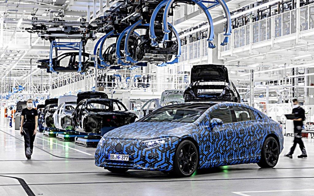 雙B電動車大戰,BMW占了上鋒,賓士進度落後本周火速宣布到2022年