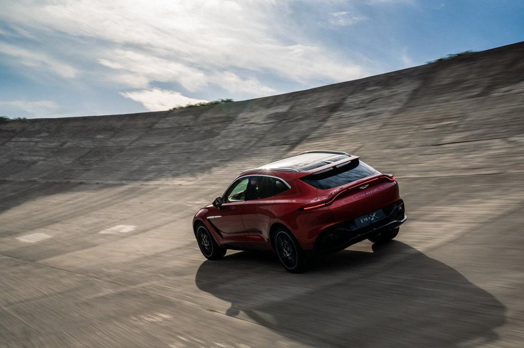 似乎不令人意外?ASTON MARTIN證實DBX有機會推出AMR高性能車型
