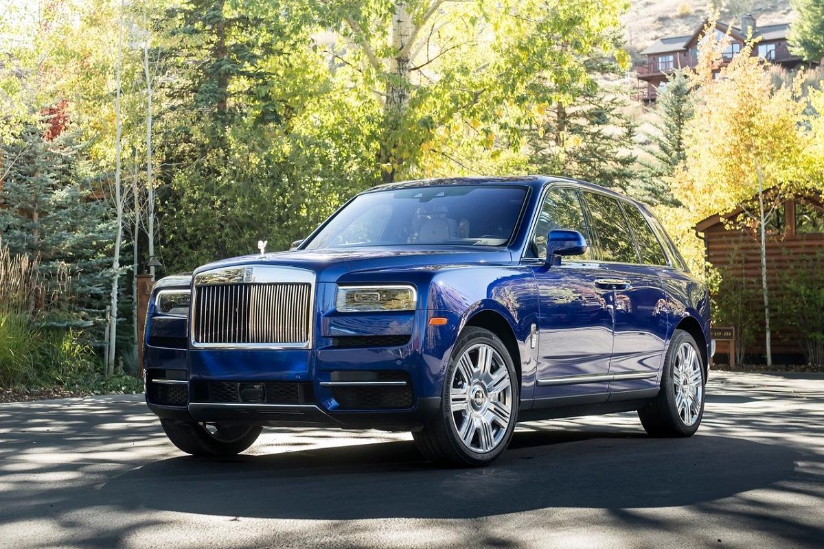 Rolls-Royce-Cullinan-2019-1.jpg