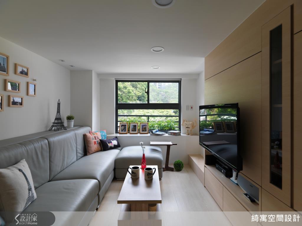 運用窗景引入自然光,讓室內空間顯得透亮,再透過簡約俐落的線條設計,突顯出空間設計的美學品味。