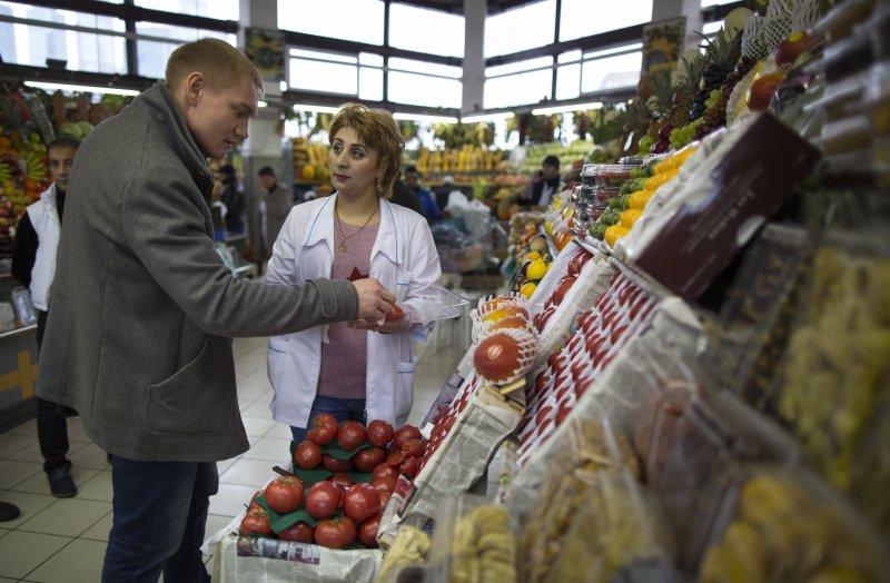 俄羅斯市場裡的土耳其農產品(美聯社)