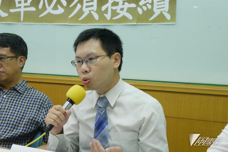2016-08-16-台灣守護民主平台-司法改革記者會04-洪與成攝