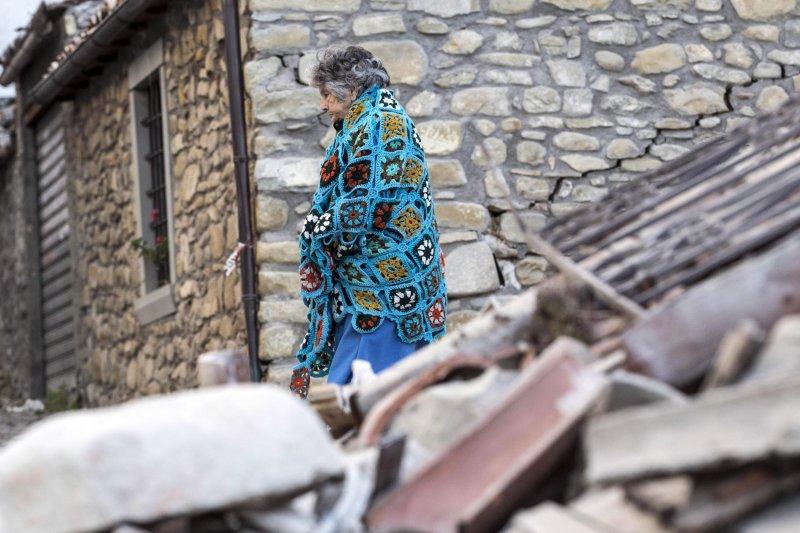 義大利中部24日發生芮氏規模6.2大地震,災情慘重,災民對未來茫然(美聯社)