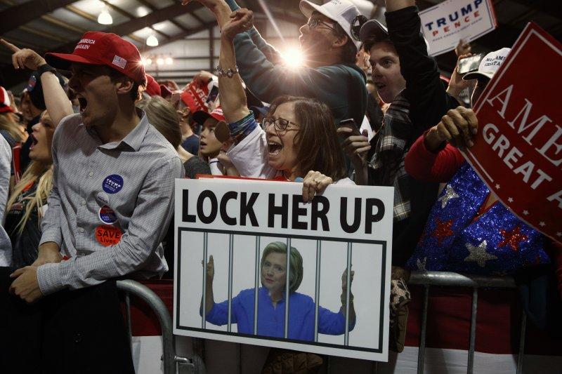 美國總統大選,共和黨候選人川普支持者對民主黨候選人希拉蕊恨之入骨(AP)