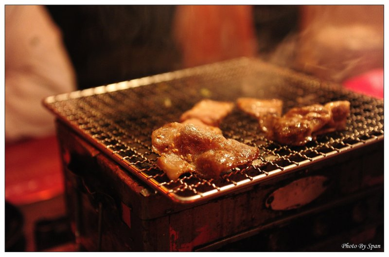 燒烤,碳燒,碳烤,烤肉。(Span X@flickr/CC BY-ND 2.0)